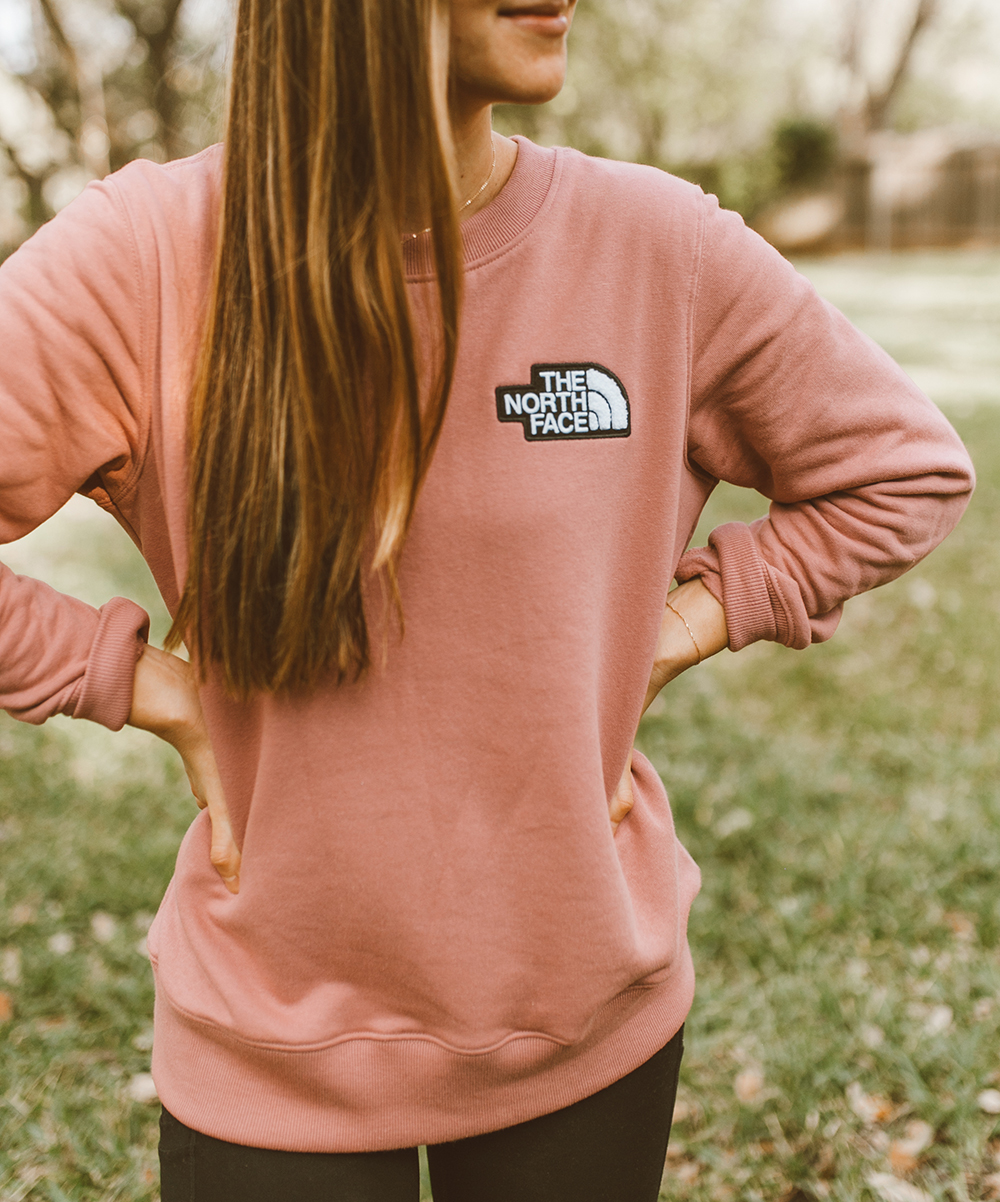 livvyland-blog-olivia-watson-austin-texas-lifestyle-fashion-mom-blog-north-face-heritage-crew-sweatshirt
