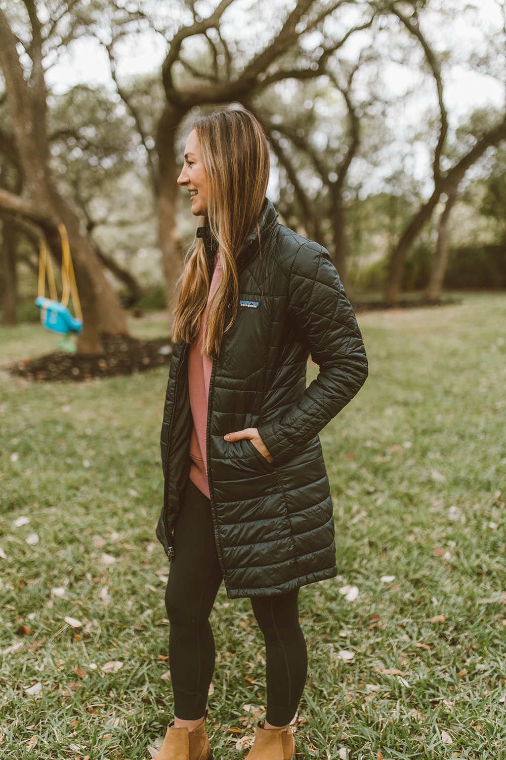 livvyland-blog-olivia-watson-austin-texas-lifestyle-fashion-mom-blog-patagonia-radalie-insulated-parka-jacket