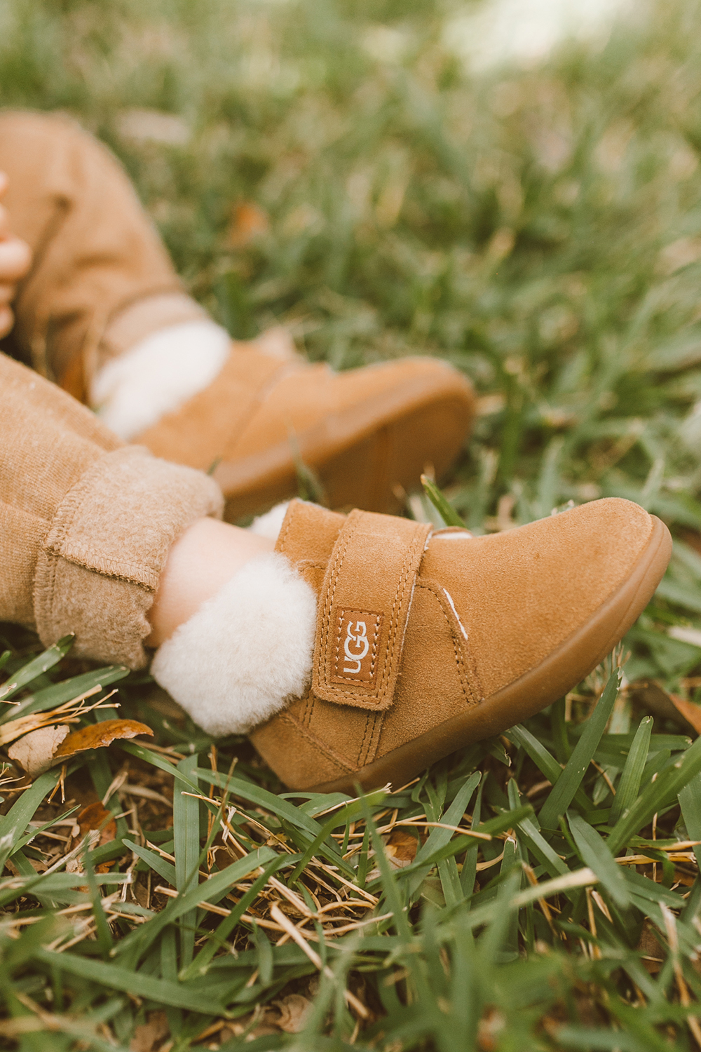 livvyland-blog-olivia-watson-austin-texas-lifestyle-fashion-mom-blog-toddler-ugg-nolen-boot-2