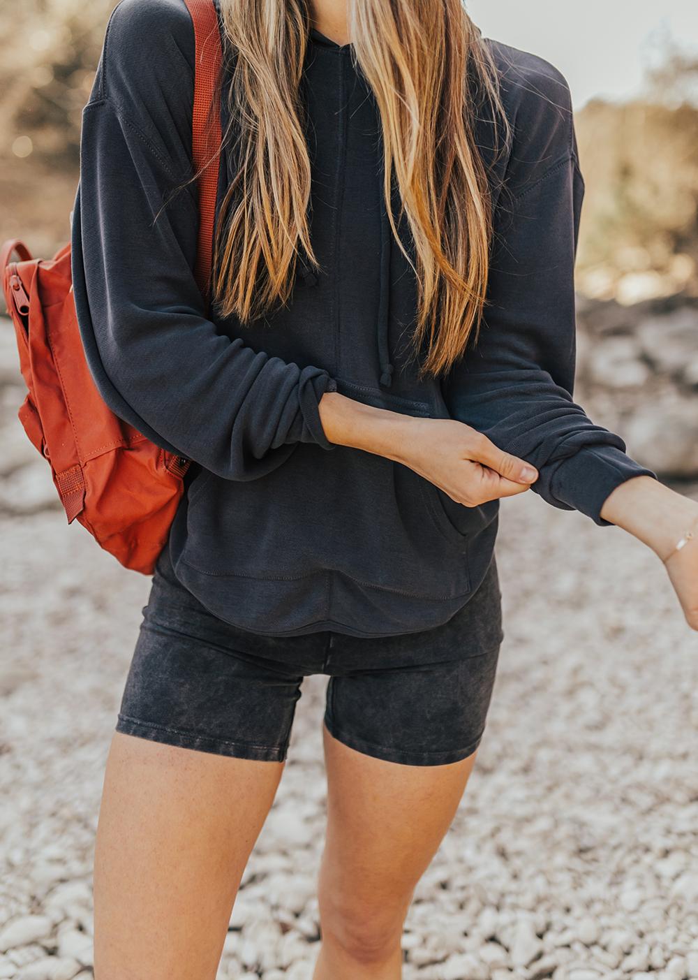 livvyland-blog-olivia-watson-austin-texas-lifestyle-fashion-blogger-greenbelt-hike-free-people-fp-movement-hot-shot-bike-shorts-outfit-4