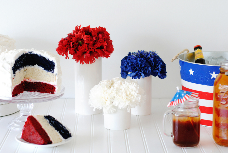Super Easy DIY 4th of July Floral Centerpiece