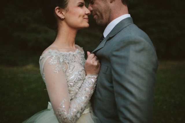 wedding_photo_couple_romantic,8 Things No One Tells You About Your Wedding