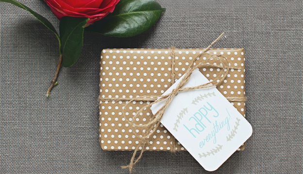 How to Hack the Registry to Give a Great Wedding Gift Without Going Broke, wedding gift hacks