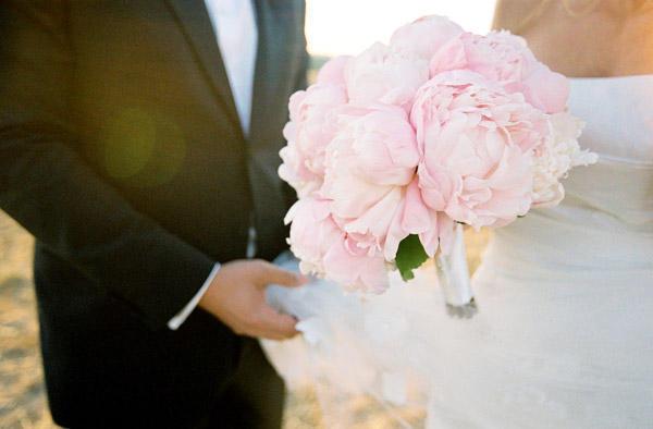 Wedding Debate Mono Fl Versus Mixed Bouquets