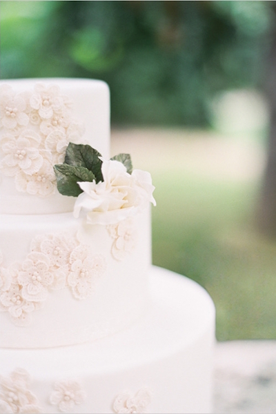 Elegant Charleston Wedding Captured by Gayle Brooker - Real Weddings - Loverly