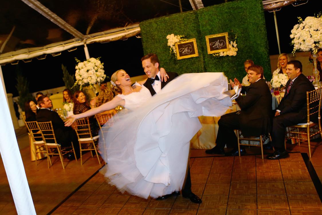 real_wedding_kristen_dancing