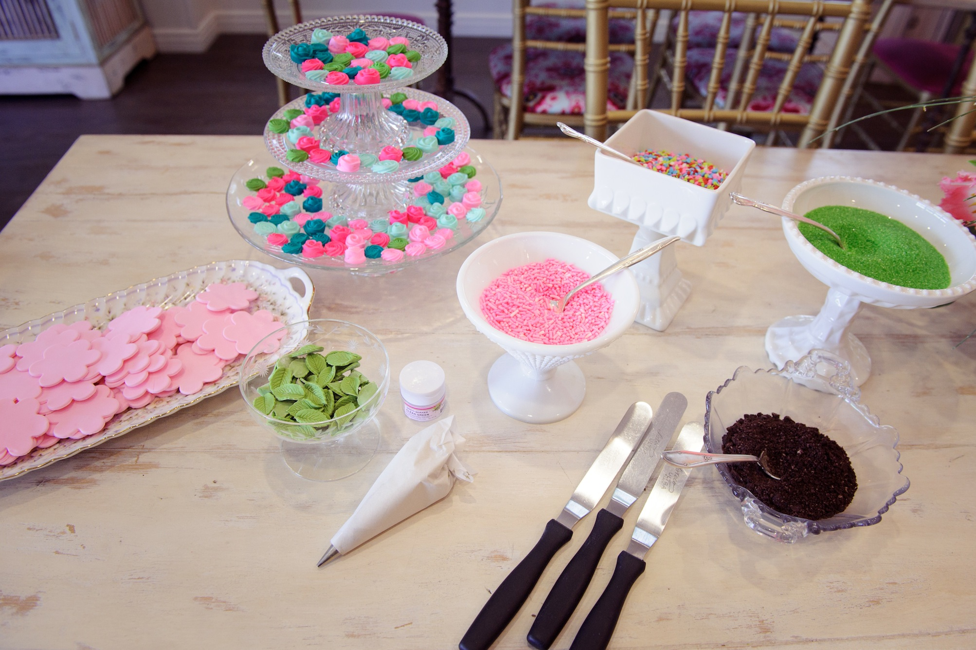 Steps to Creating a DIY Cupcake Bar Guests Will Love