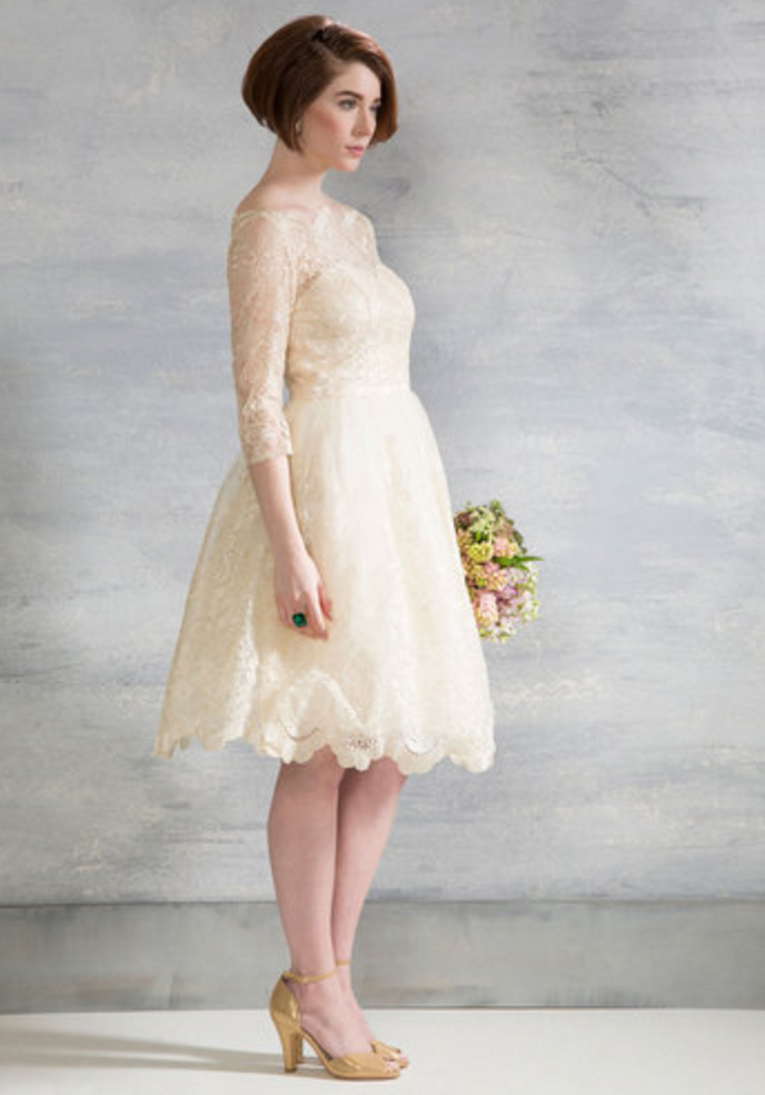 a9a005022fd 5 Bridal Gowns Borrowed from a Few of Our Favorite Fashion Decades