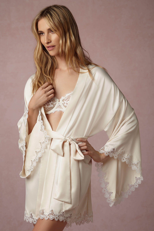 wedding worthy robes, bridal robes, bridesmaid robes, the best bridesmaid robes, bhldn robes
