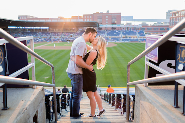 baseball-game-date, creative summer date ideas
