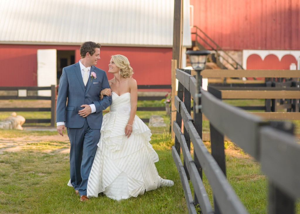 "This Bride's Favorite Color is ""Glitter"" So You Know Her Glam Barn Wedding Was Everything"