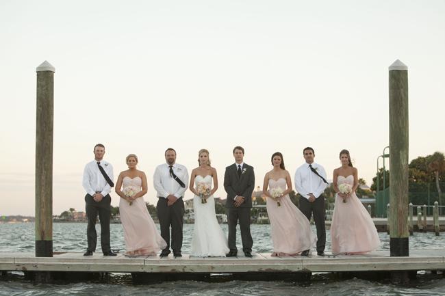 rose-bouquet,Book Wedding Ideas