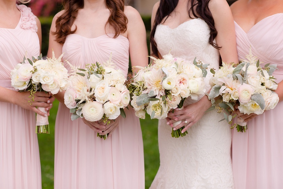 29 Monochromatic Wedding Details You Don't Want To Miss
