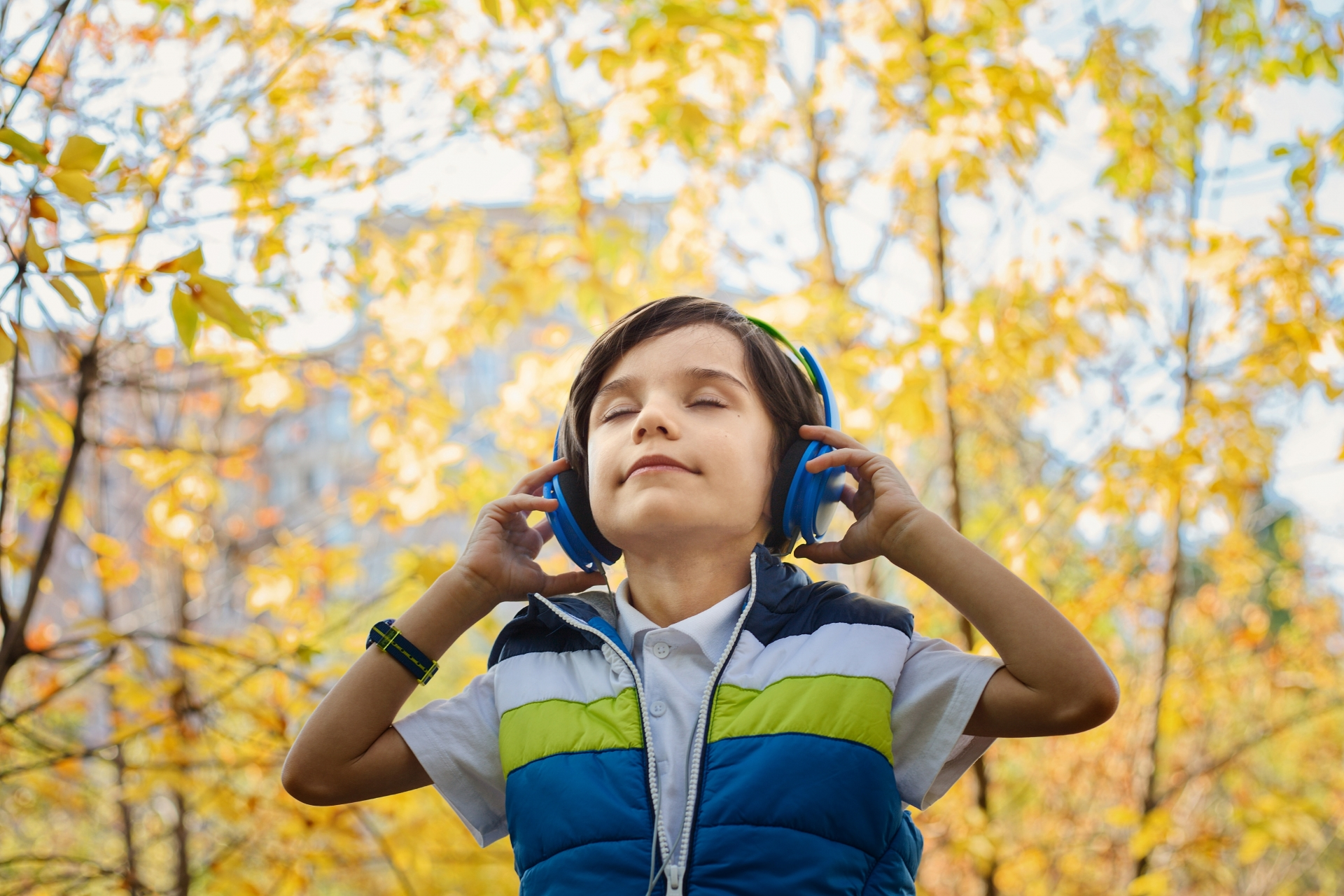 Audiobooks for kids continue to grow in popularity says new research - dive into an audiobook today