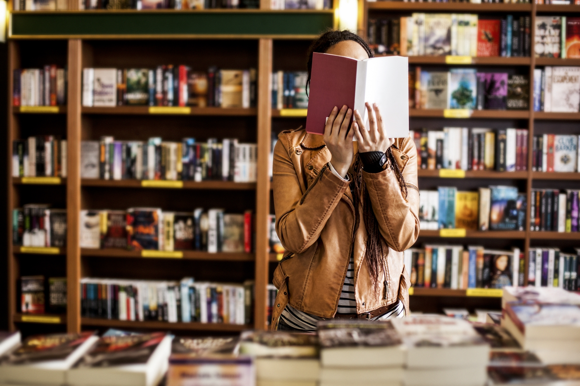 20 Books Celebrating our Love of Book Shops and Libraries