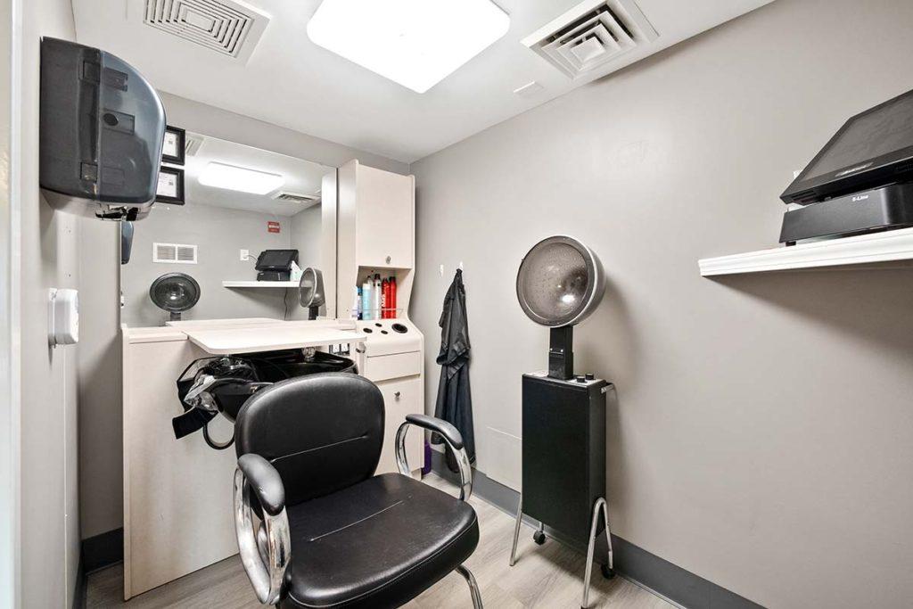 Beauty Salon/Barber Shop