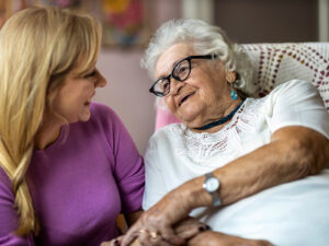 How to Move a Parent with Dementia to Assisted Living