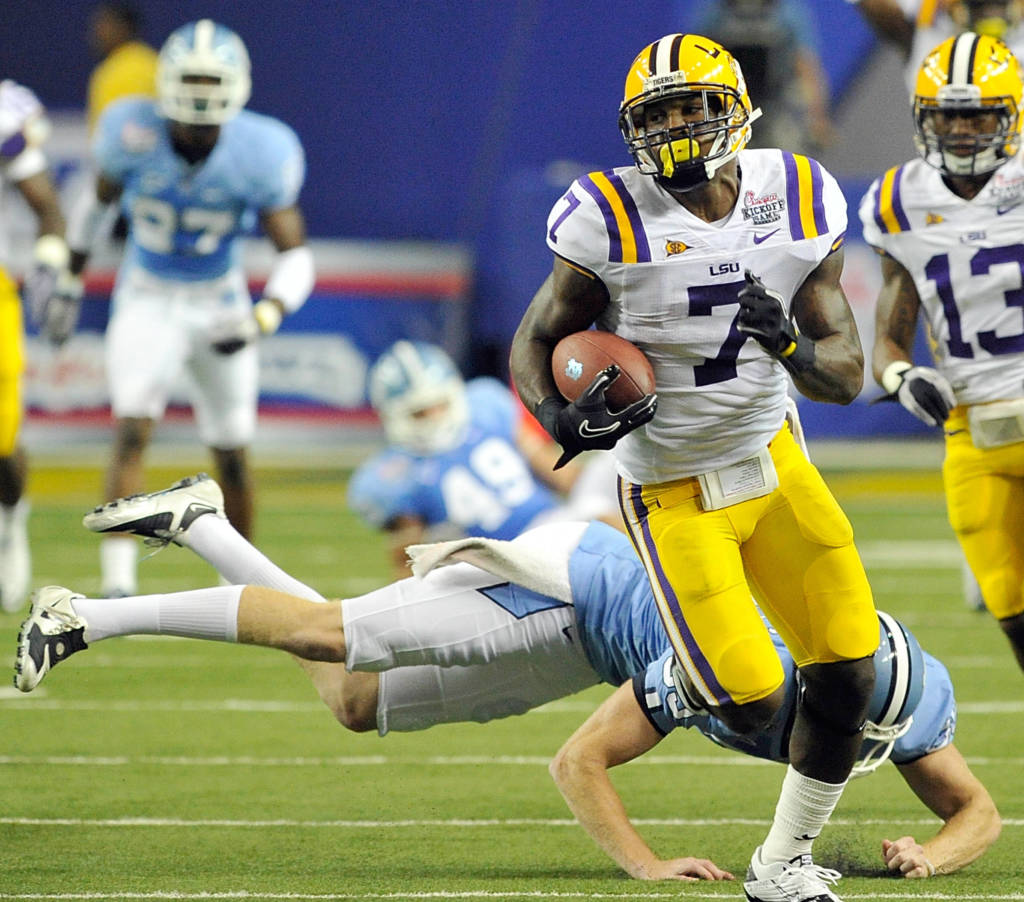 Shepard, Peterson Give LSU Win Over No. 18 UNC