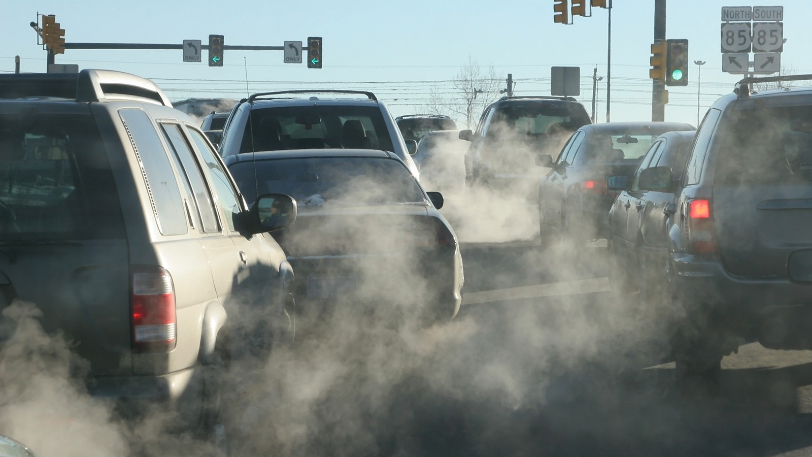 car exhaust leaks nitrogen oxides