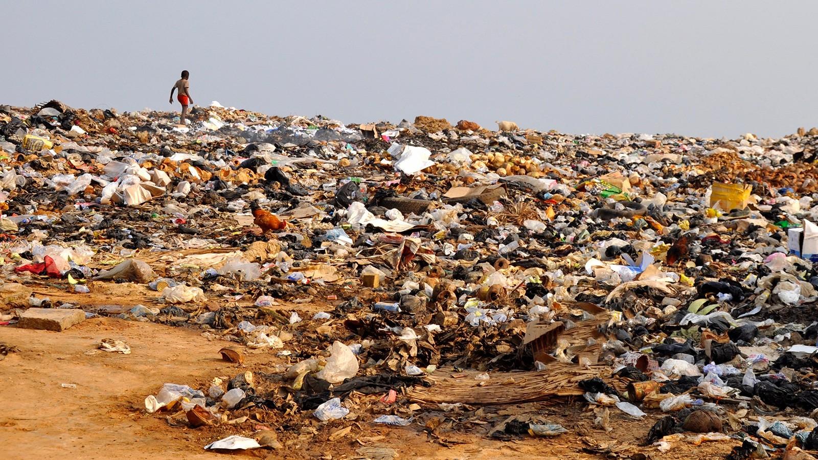 land pollution at garbage dump