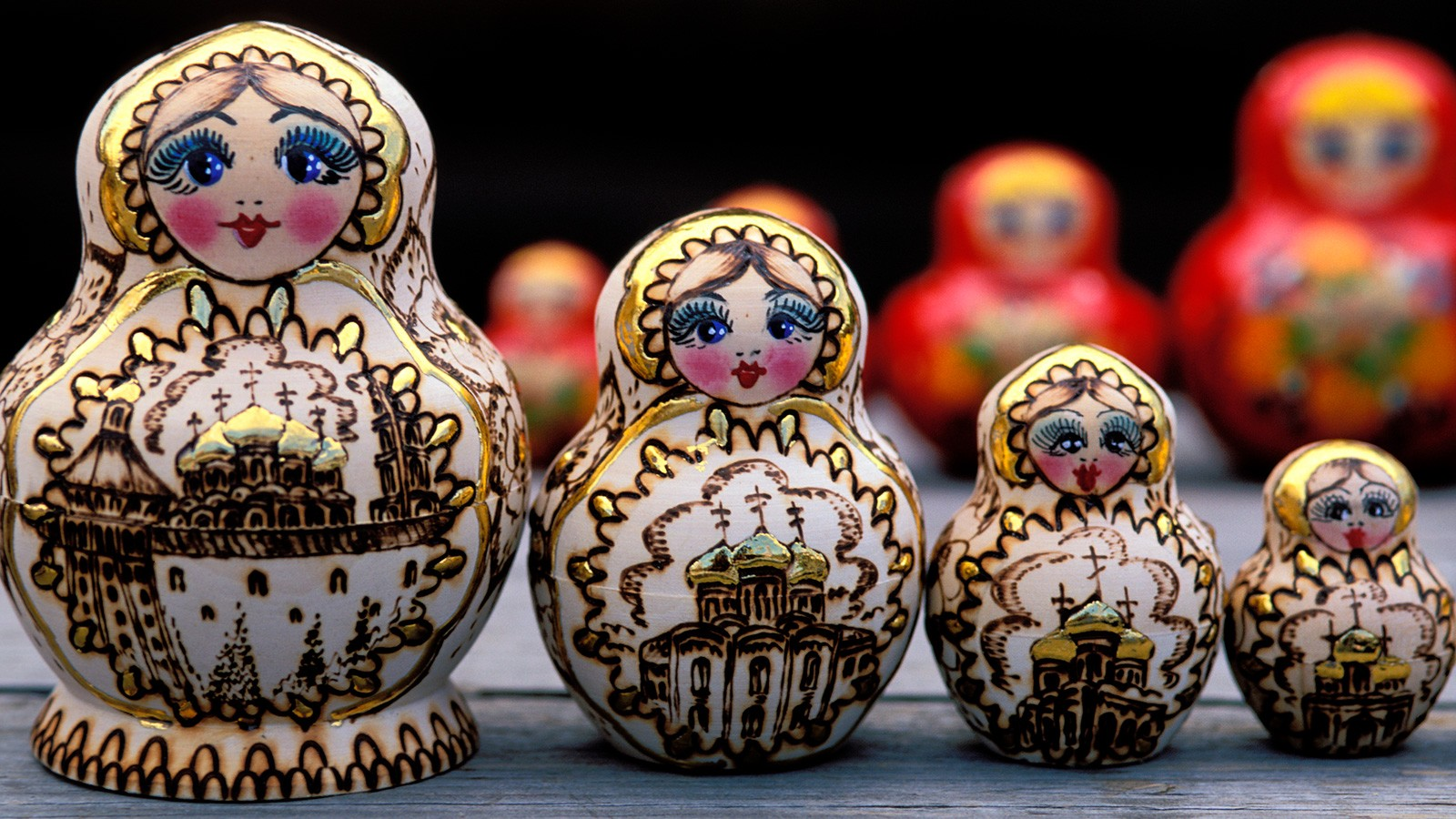 russian folk nesting dolls