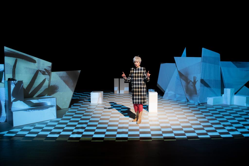 Peggy Guggenheim - Woman before a Glass