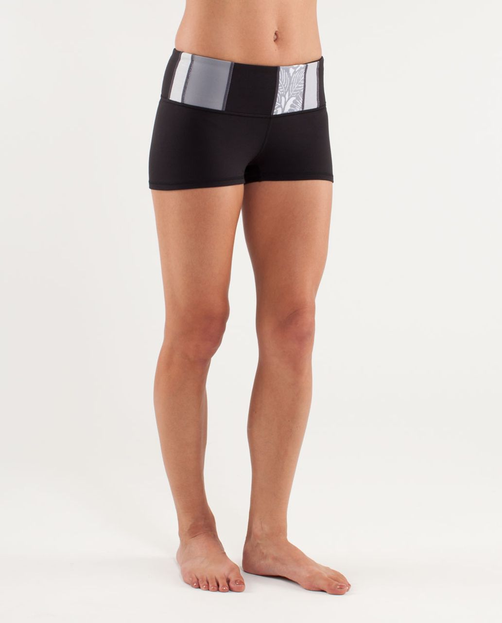 Lululemon Boogie Short - Black /  Quilting Spring 20