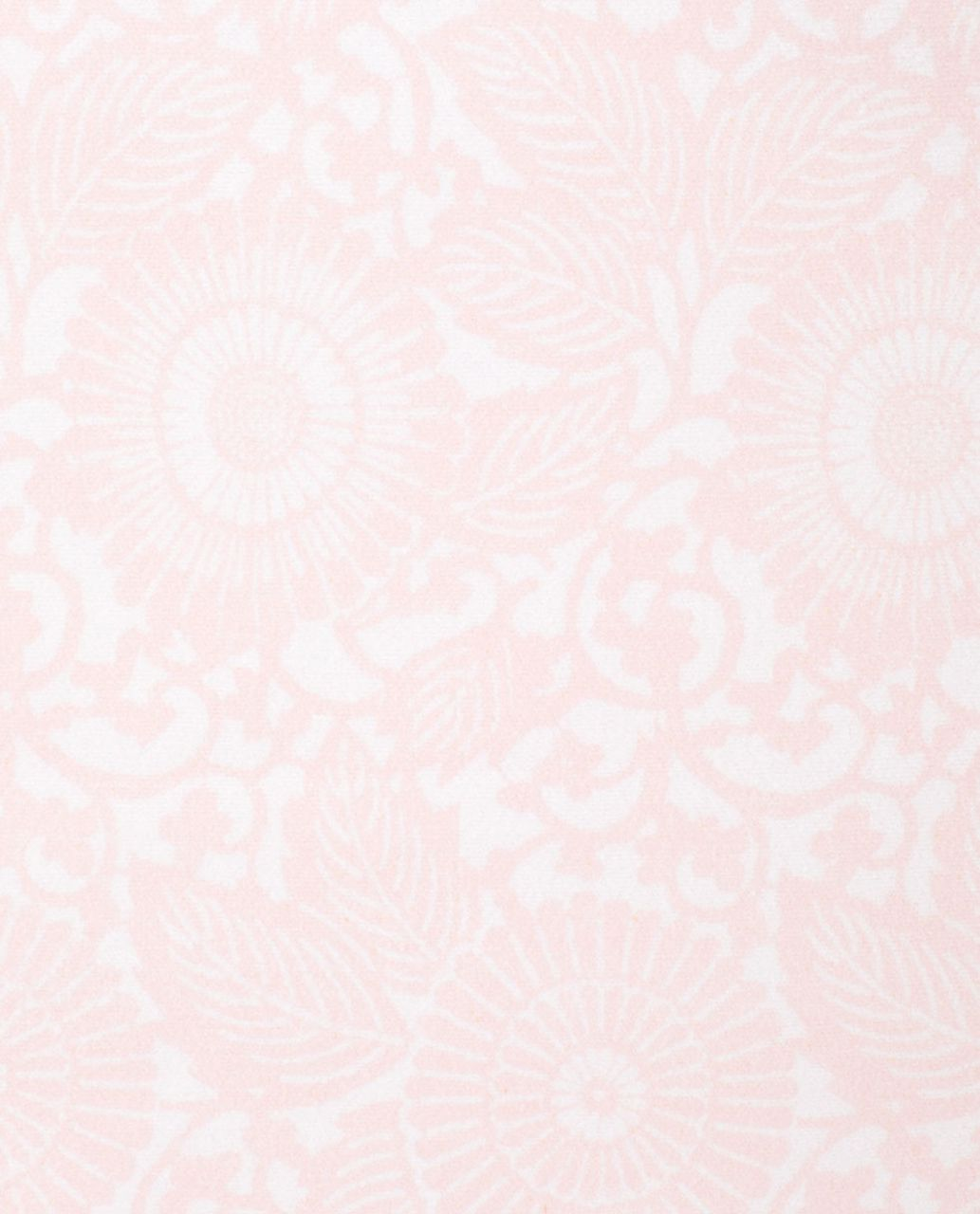 Lululemon Skidless Towel - Beachy Floral White Blush Quartz /  Blush Quartz