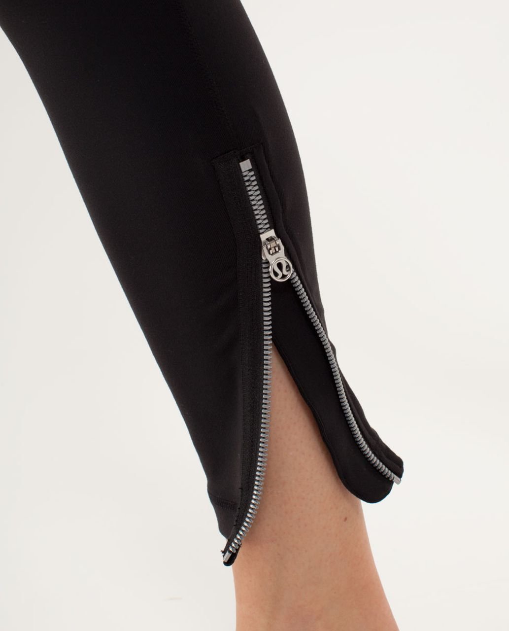 Lululemon Wunder Under Crop *Zipper - Black /  Silver