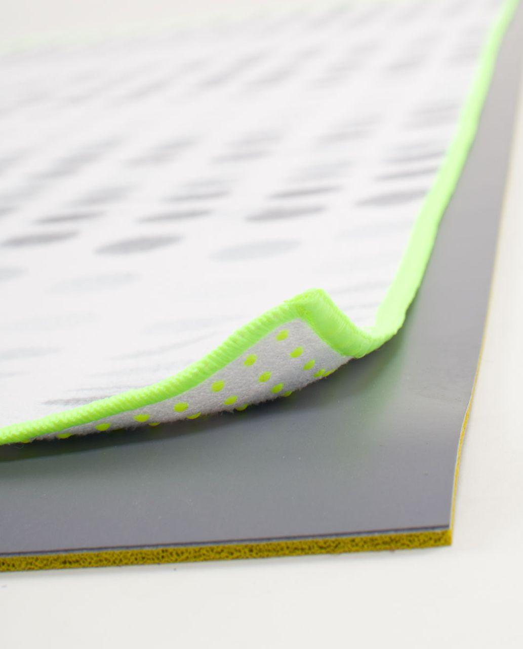Lululemon Skidless Towel - Seaside Dot White / Fossil / Ray