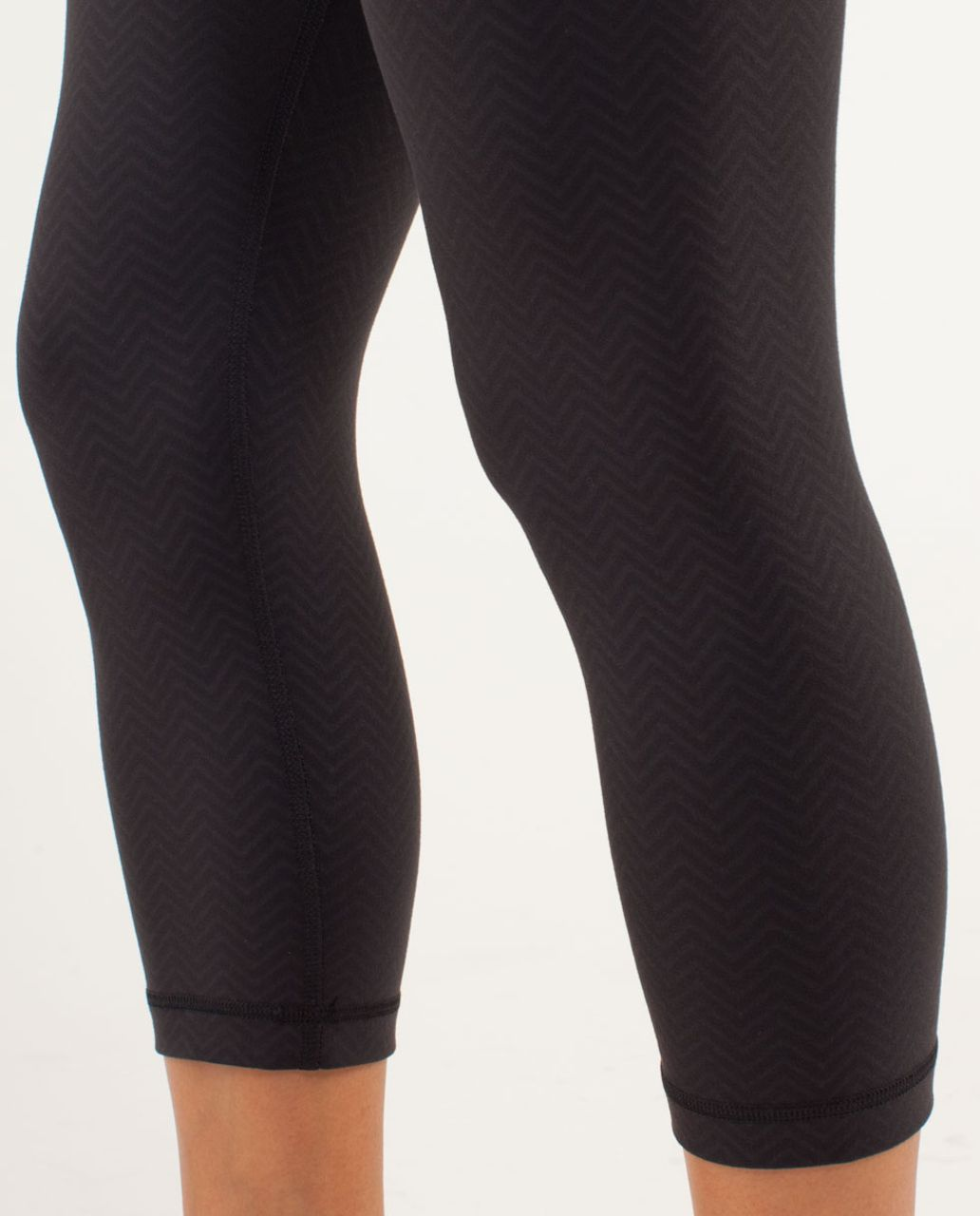 Lululemon Wunder Under Crop *Embossed - Mini Squiggle Emboss Black / Black