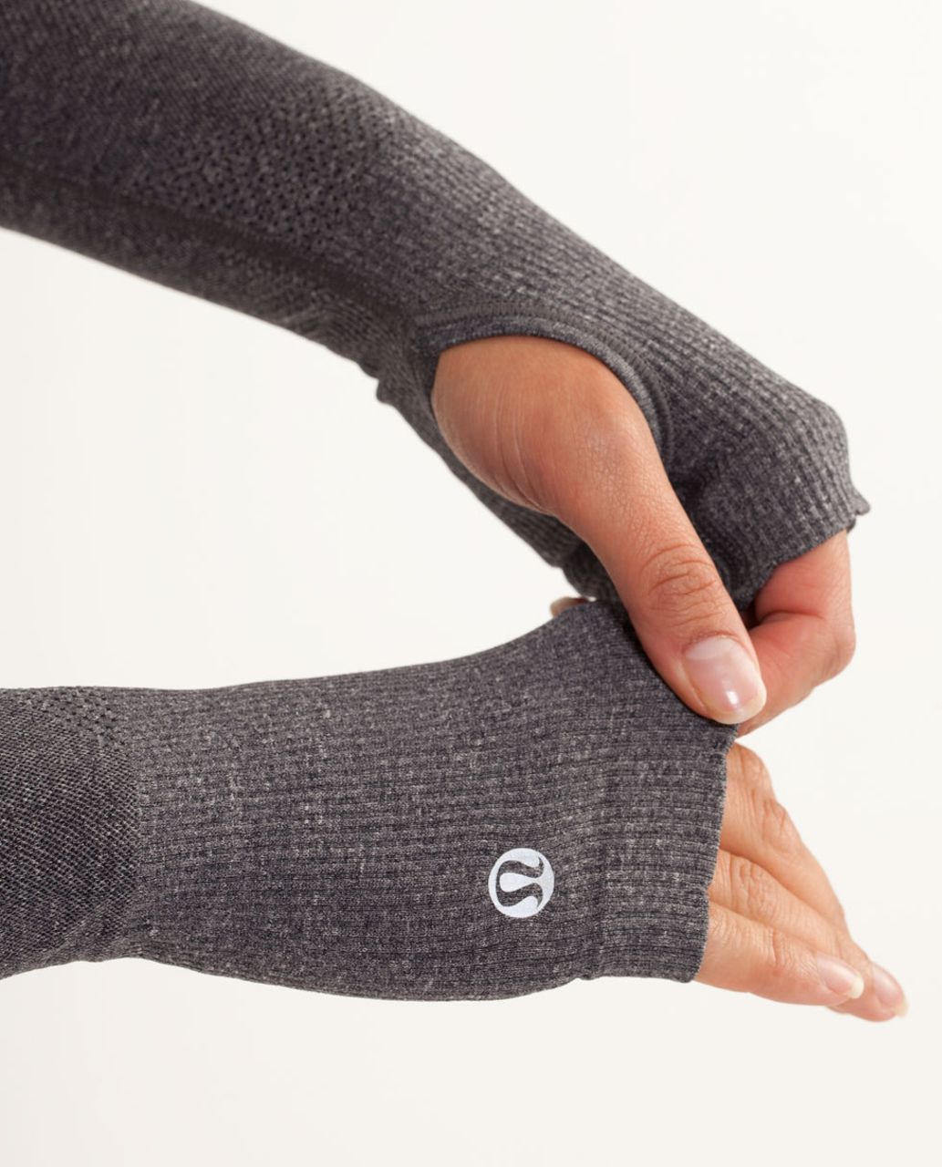 Lululemon Swiftly Armwarmers *Special Edition - Black