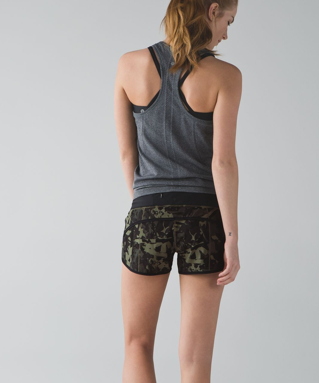 "Lululemon Speed Short *4-way Stretch 2.5"" - Pop Cut Fatigue Green Black / Black"