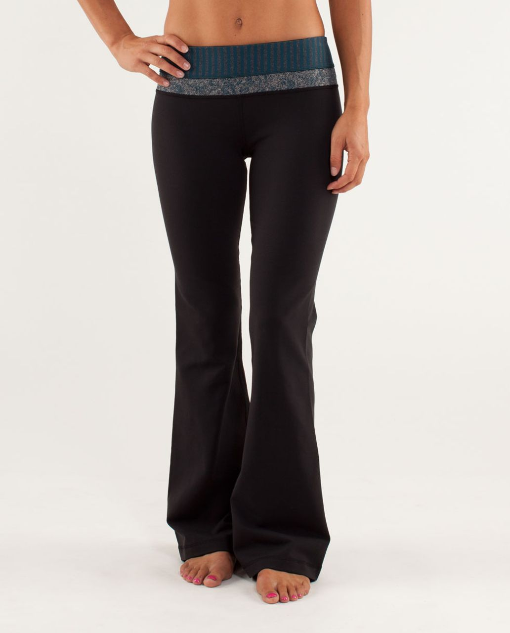 Lululemon Groove Pant *Slim (Regular) - Black / Half Micro Macro Alberta Lake Black / Rose Herringbone Alberta Lake