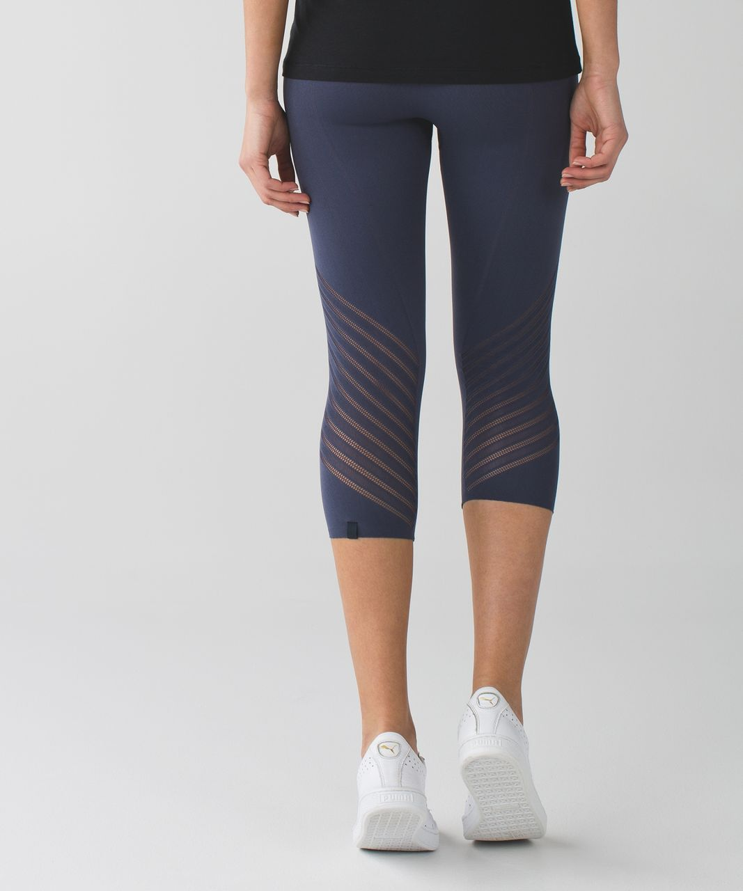 Lululemon Enlighten Crop - Cadet Blue
