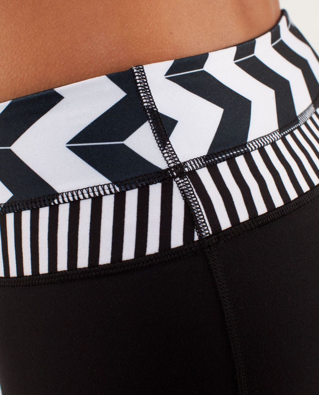 Lululemon Groove Pant *Slim (Regular) - Black / Arrow Chevron White Black / Classic Stripe Black And White