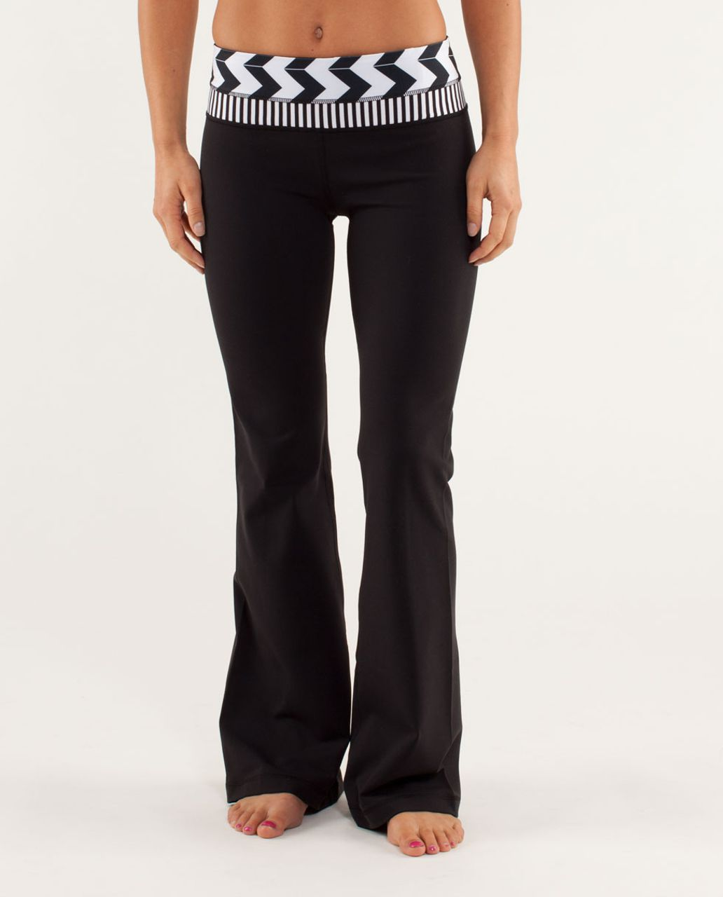 Lululemon Groove Pant *Slim (Tall) - Black / Arrow Chevron White Black / Classic Stripe Black And White