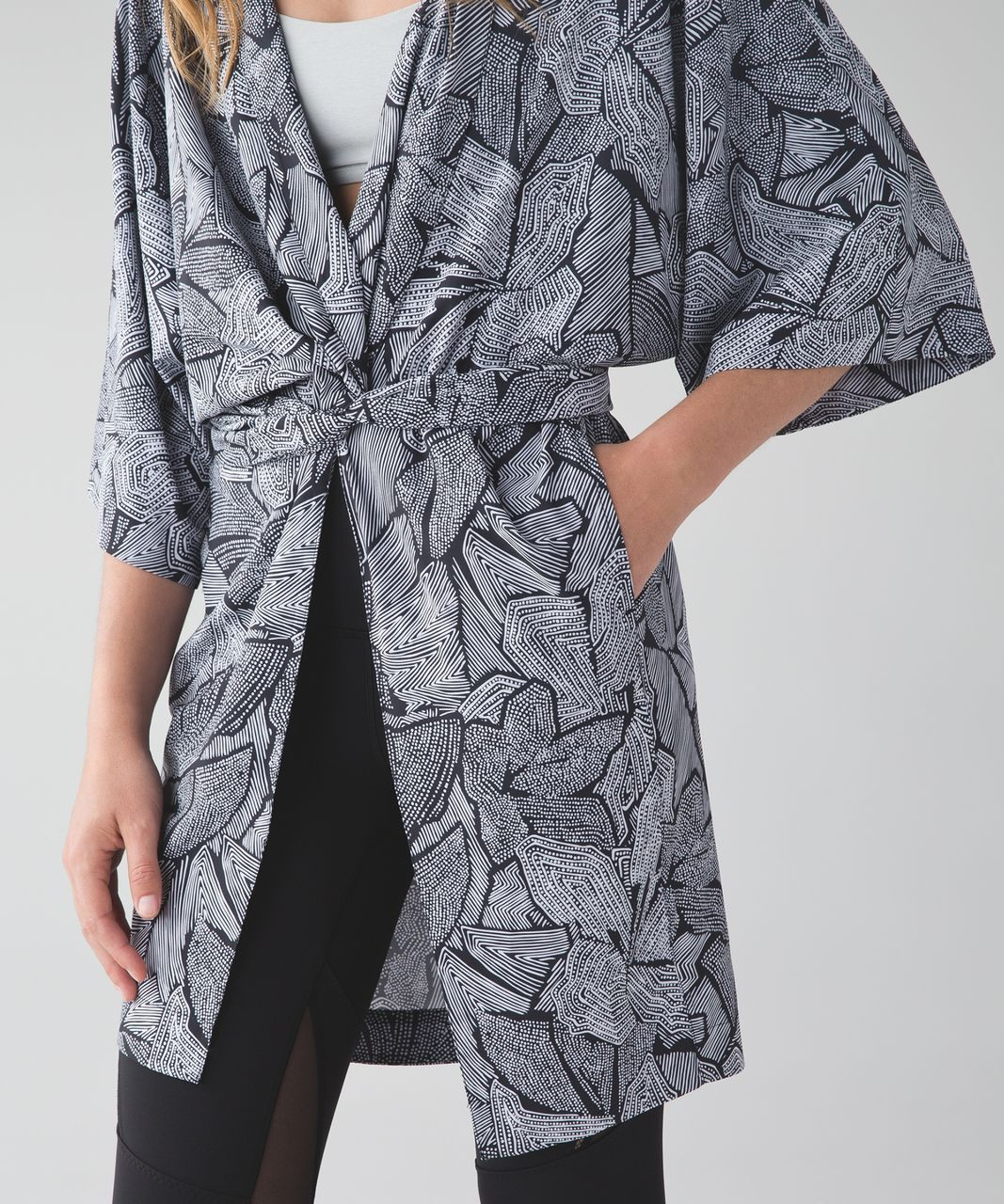 Lululemon Yoga Haven Kimono - Dottie Tribe White Black