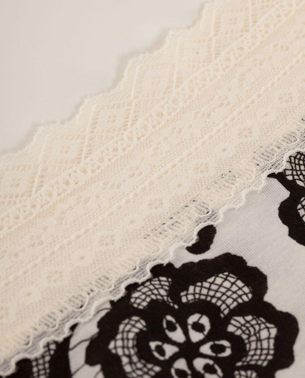 Lululemon Foxy Lulu Hotshort - Laceoflage Polar Cream Black / Polar Cream