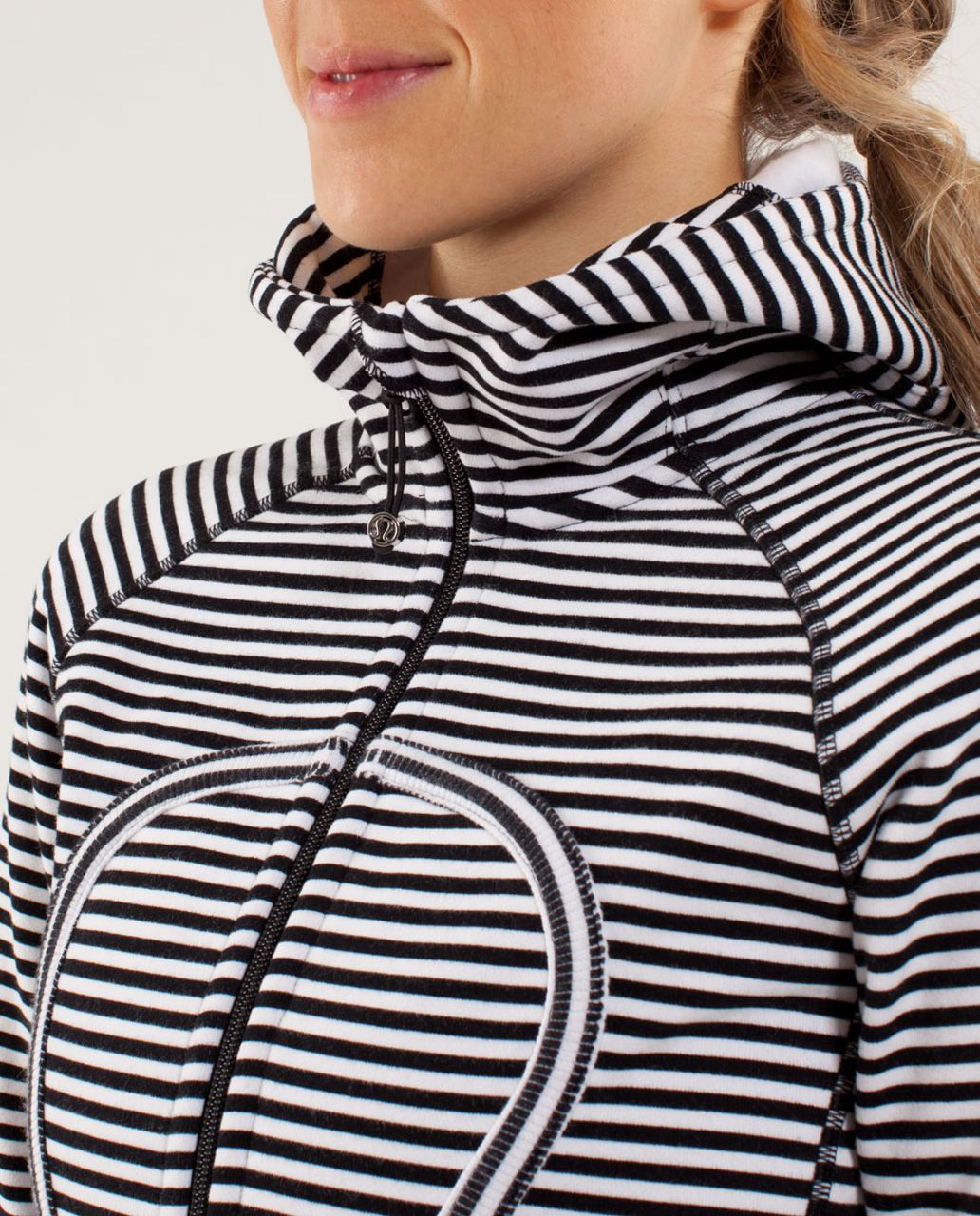 Lululemon Scuba Hoodie *Stretch - Classic Stripe Printed White Black
