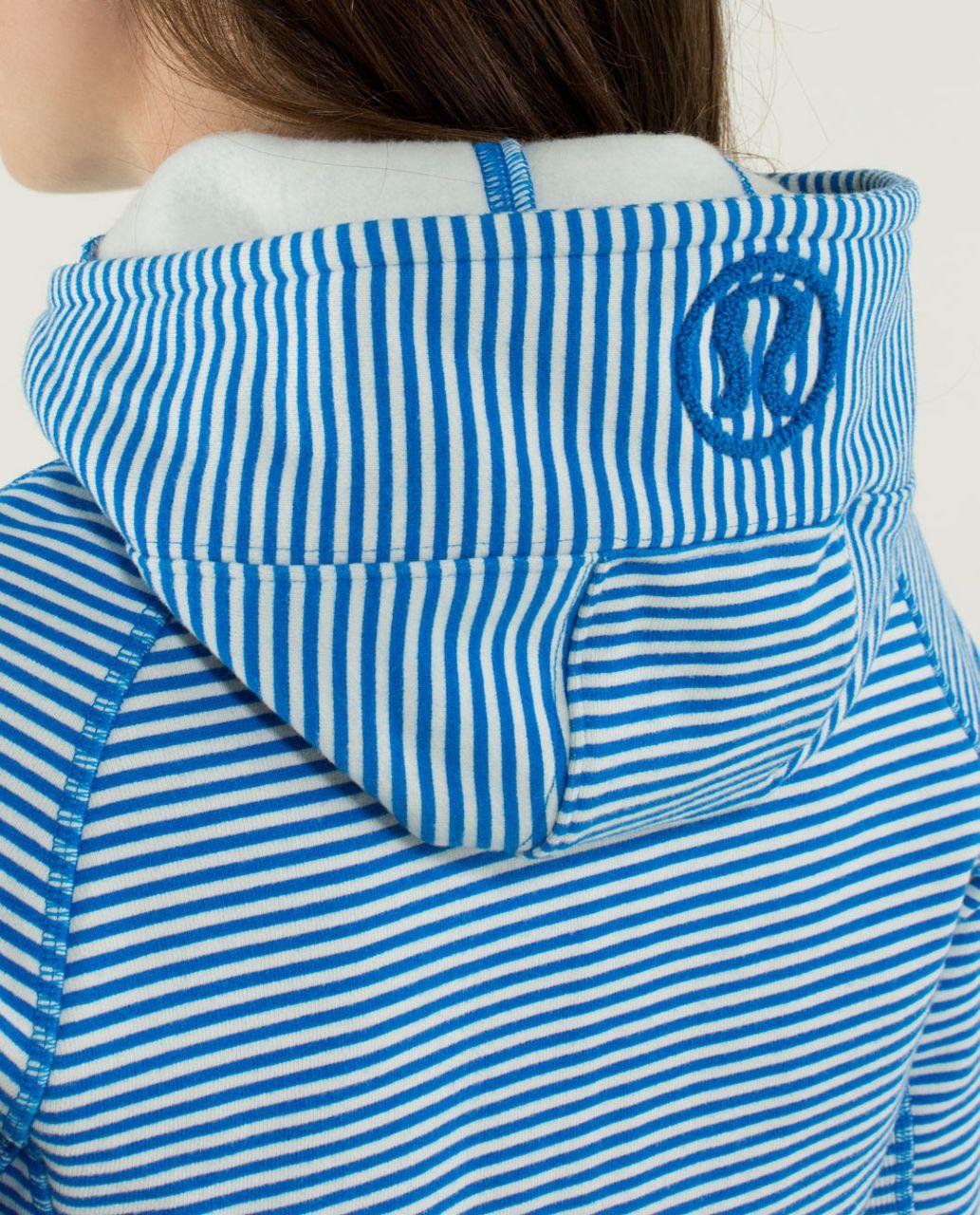 Lululemon Scuba Hoodie *Stretch - Slope Stripe Printed Polar Cream Beaming Blue