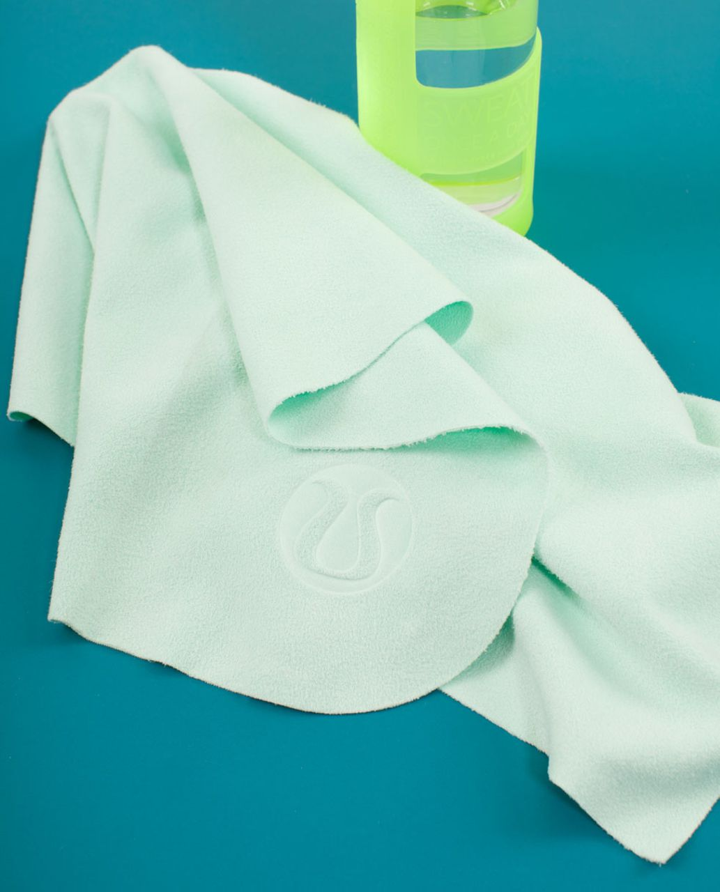 Lululemon The (Small) Towel - Mint Moment