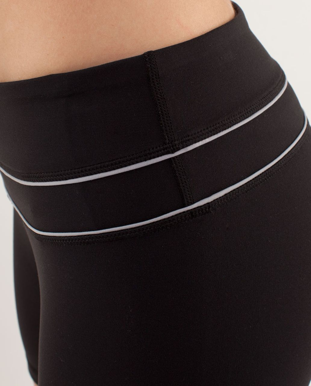 Lululemon Groove Short (Regular) *Silver - Black / Silver Slate