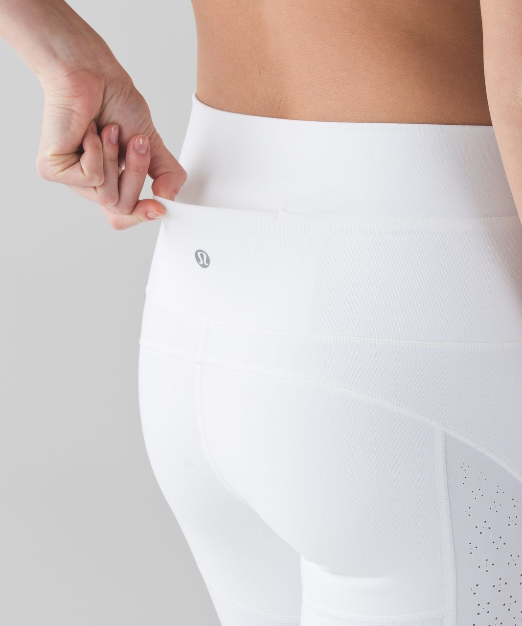 Lululemon Beyond Boundaries Crop - White