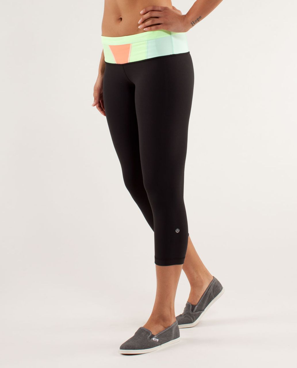 Lululemon Wunder Under Crop - Black / Quilt Spring13 9