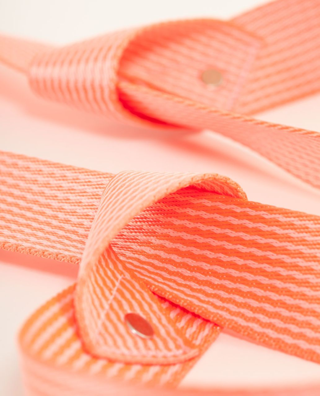Lululemon Loop It Up Mat Strap - Bleached Coral