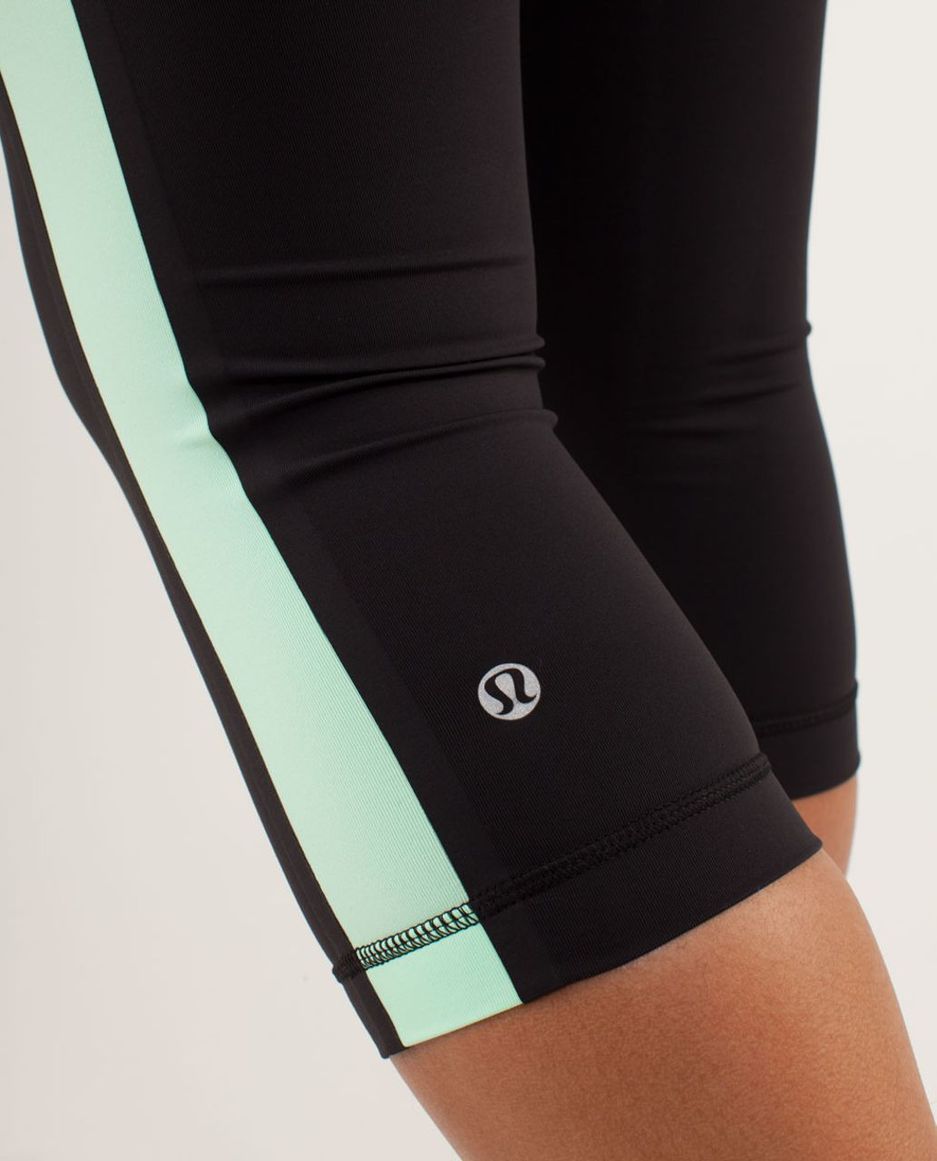 Lululemon Run:  Proceed With Speed Crop - Black / Fresh Teal / Very Green
