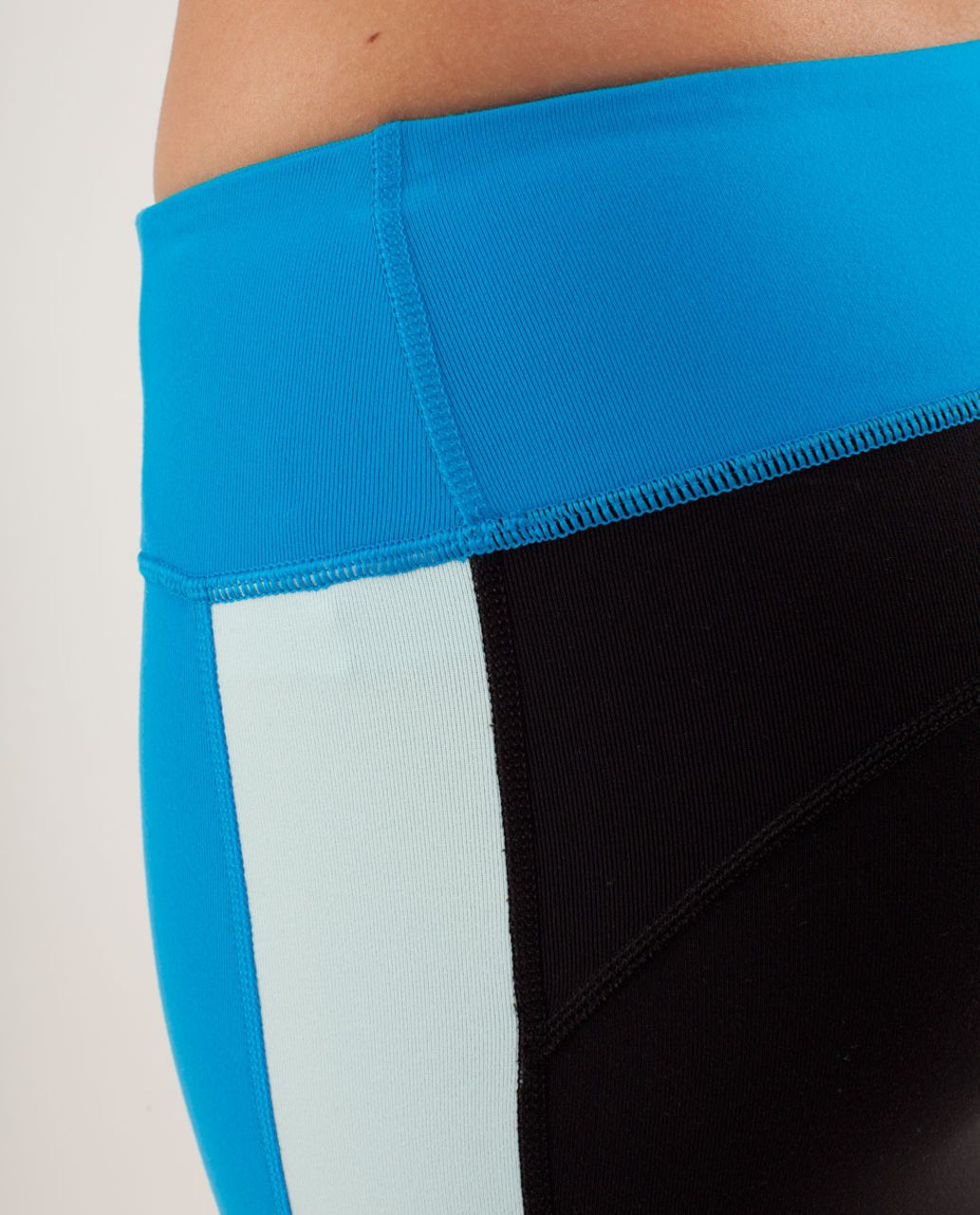 Lululemon Compass Pant 7/8 - Beach Blanket Blue / Aquamarine / Black