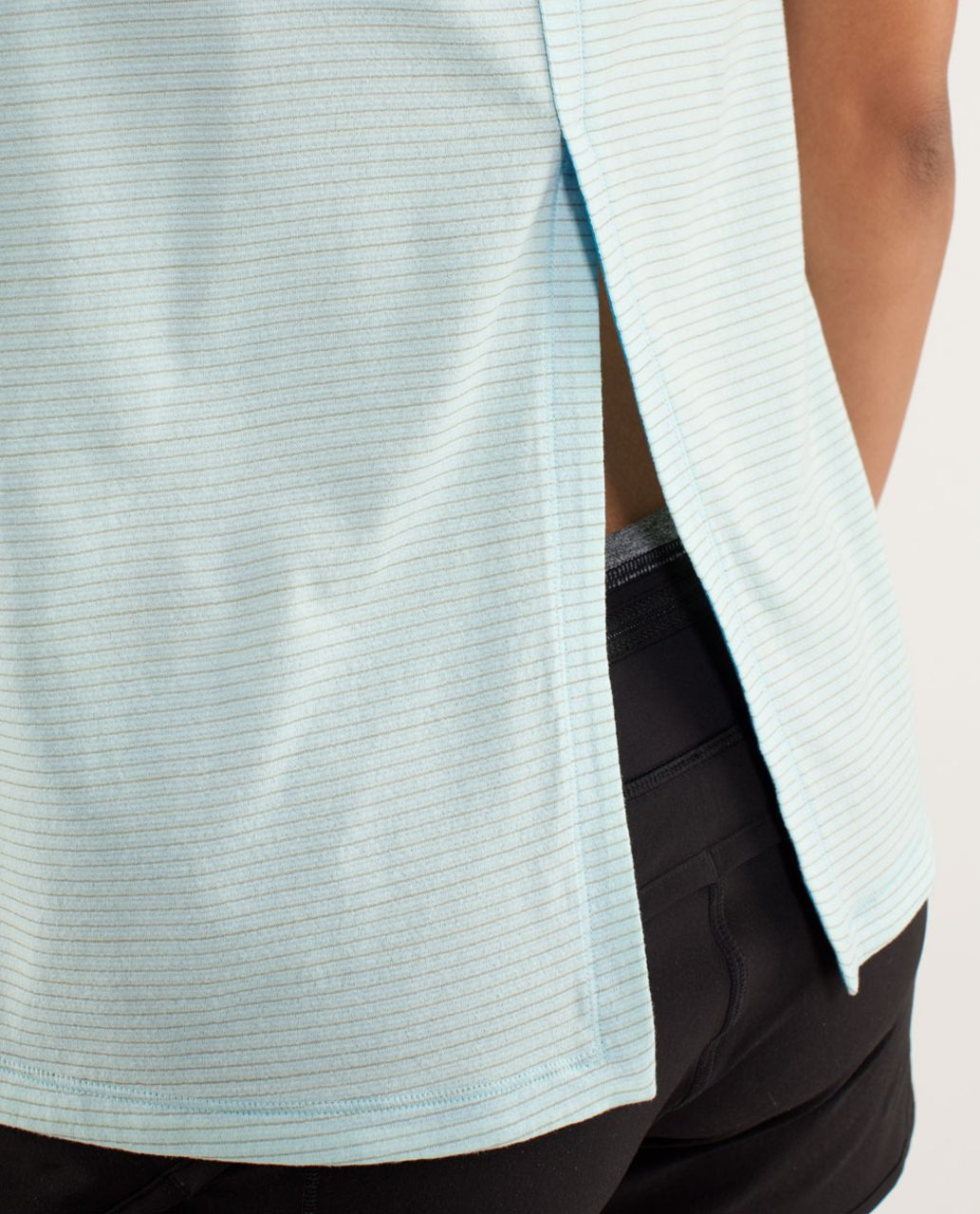 Lululemon Run:  Silver Lining Tank - Beach Blanket Blue / Aquamarine