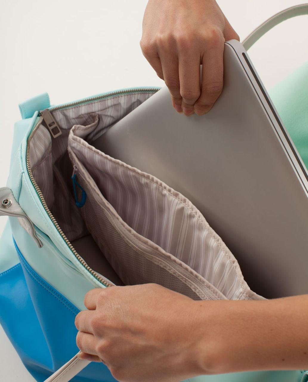 Lululemon Vinyasa To Vino Bag - Aquamarine / Beach Blanket Blue